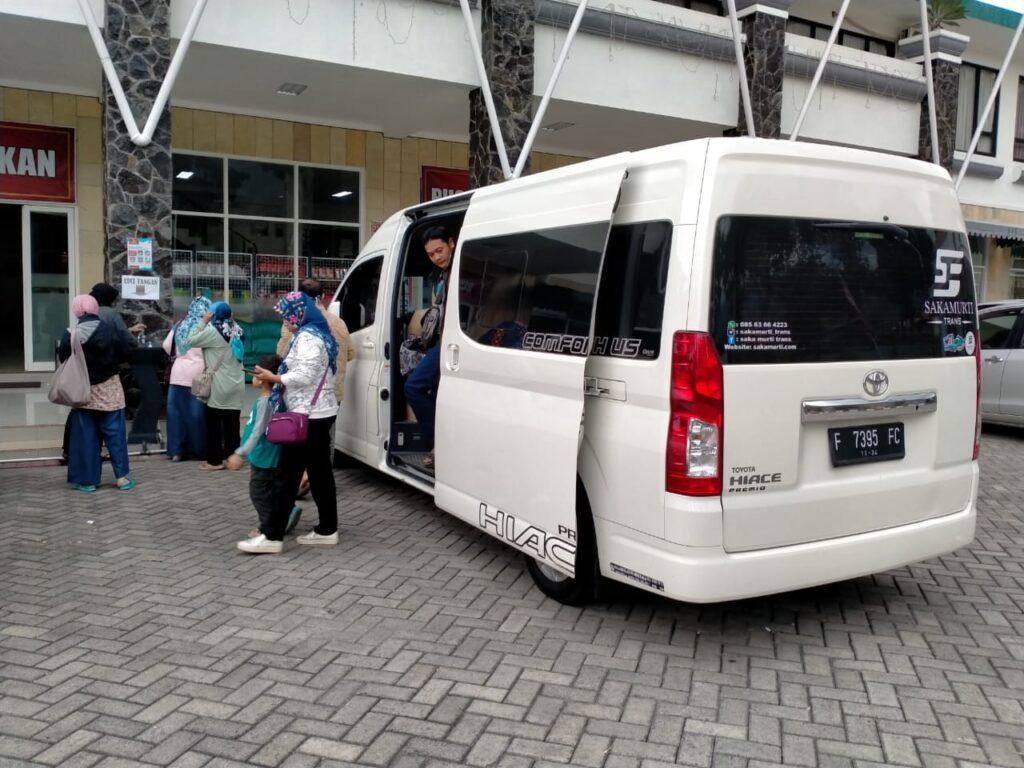 Harga Sewa Mobil Hiace Jakarta Bogor Surabaya Jogja Malang